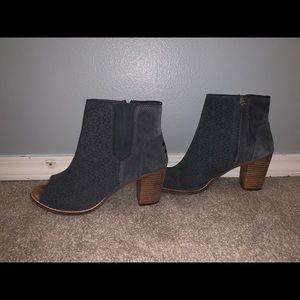 Toms Women's Size 10 Open Toe Booties Gray Heels